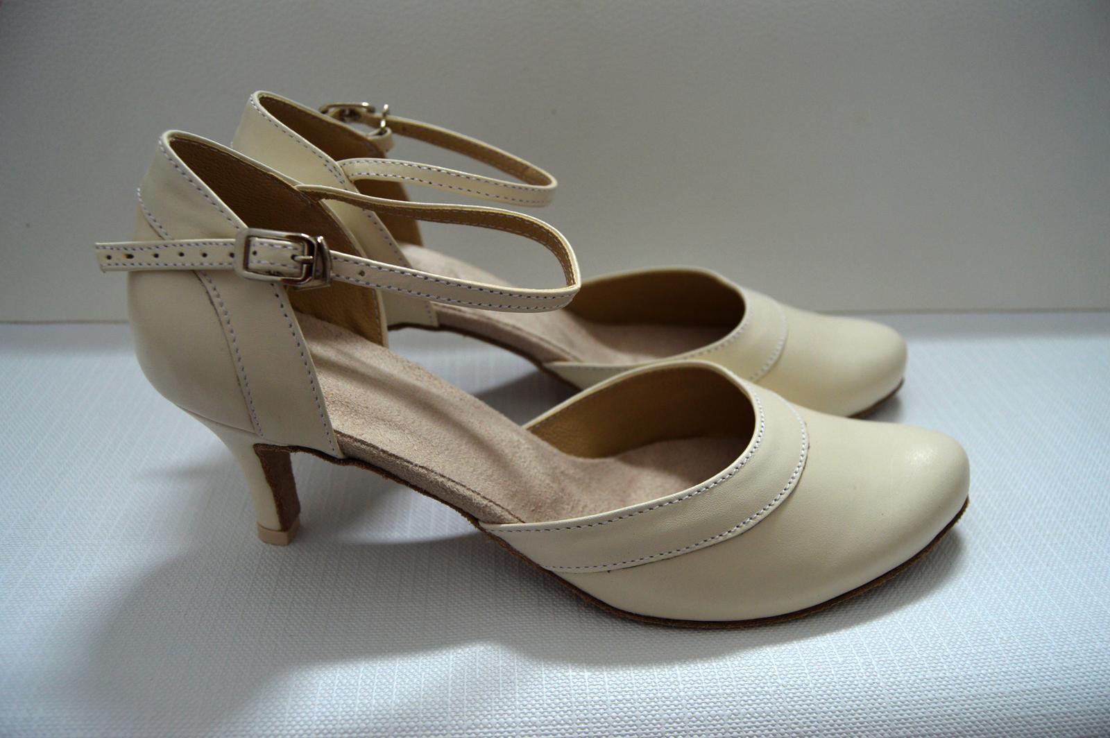 Svadobné topánky, inšpirácie z Vašich návrhov, farby biela, ivory, šampaň. - Svadobné tanečné topánky s úpravou na bežné nosenie model Amanda pravá koža ivory-slonová kosť, úpravy podľa želania klietky