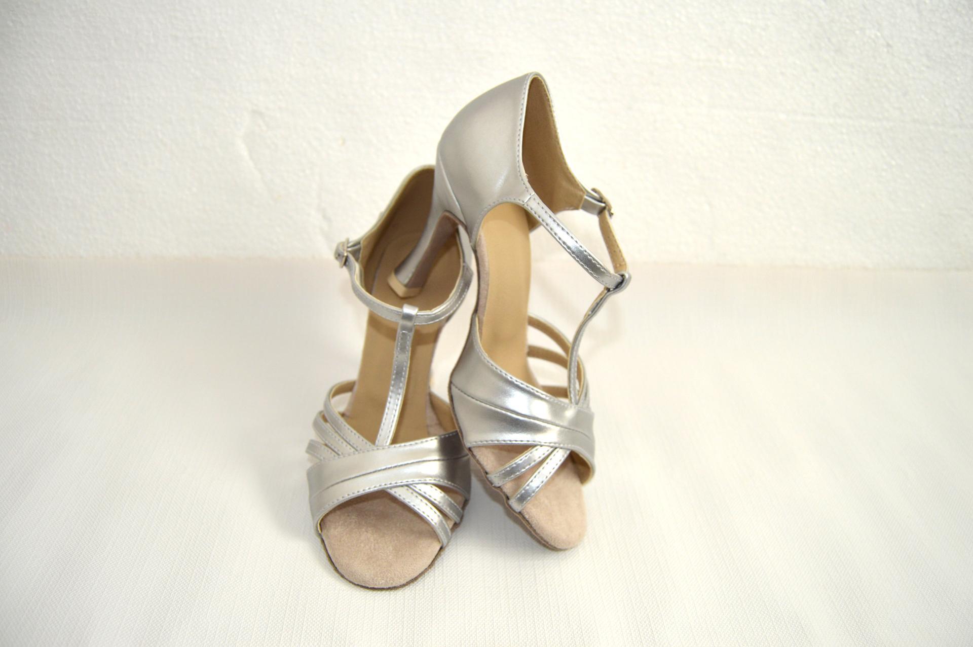 Svadobné topánky navrhni si ich - inšpirácie strieborná - Obrázok č. 73