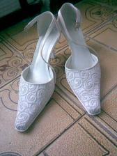 botičky mám půjčené od sestřenice, kamínky, které jsou na nich se pěkně střpytí