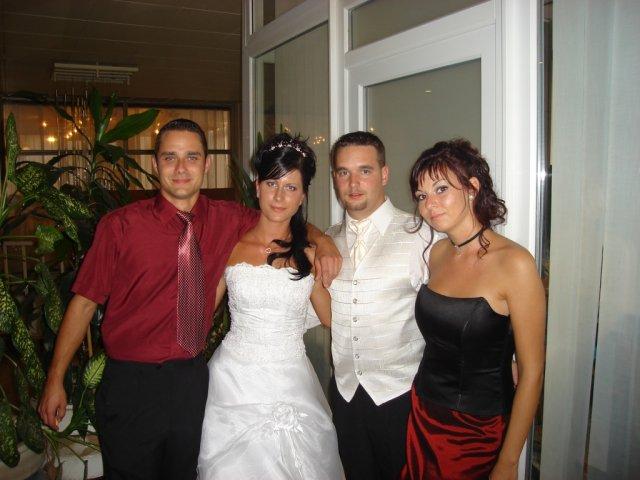 Silvia Poláková{{_AND_}}Juraj Marko - ....Ondrik s priatelkou, nasi dalsi najsuper kamosi.......