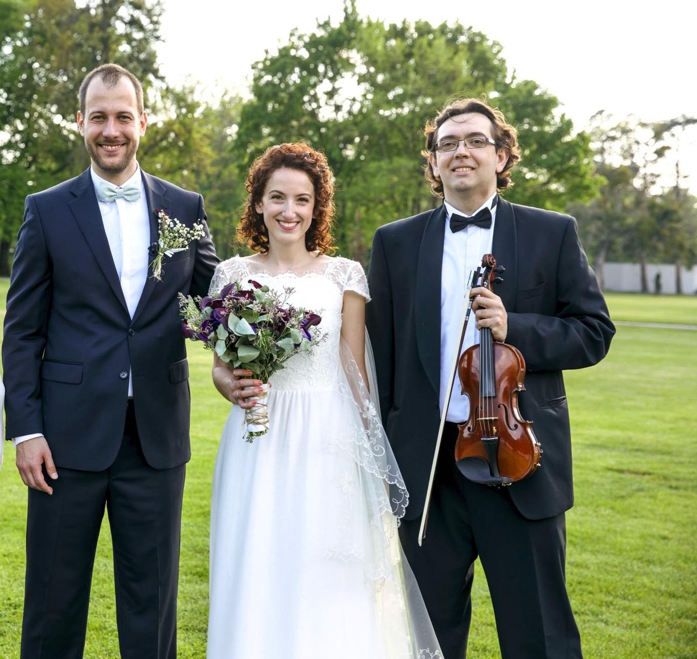 hudbaprevas - šťastní novomanželia