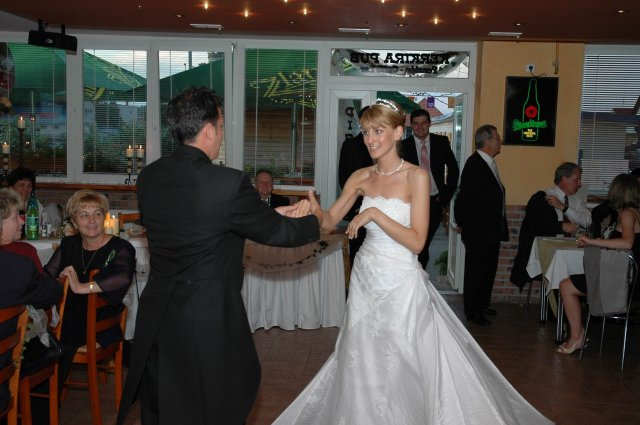 Katarina{{_AND_}}Scott - Nas prvy tanec