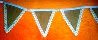 girlanda z jutových trojuholníkov,