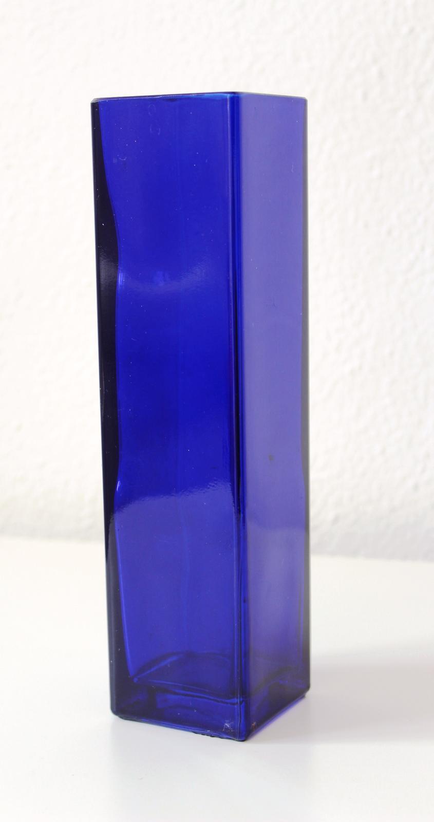 Modrá váza - prenájom - Obrázok č. 1