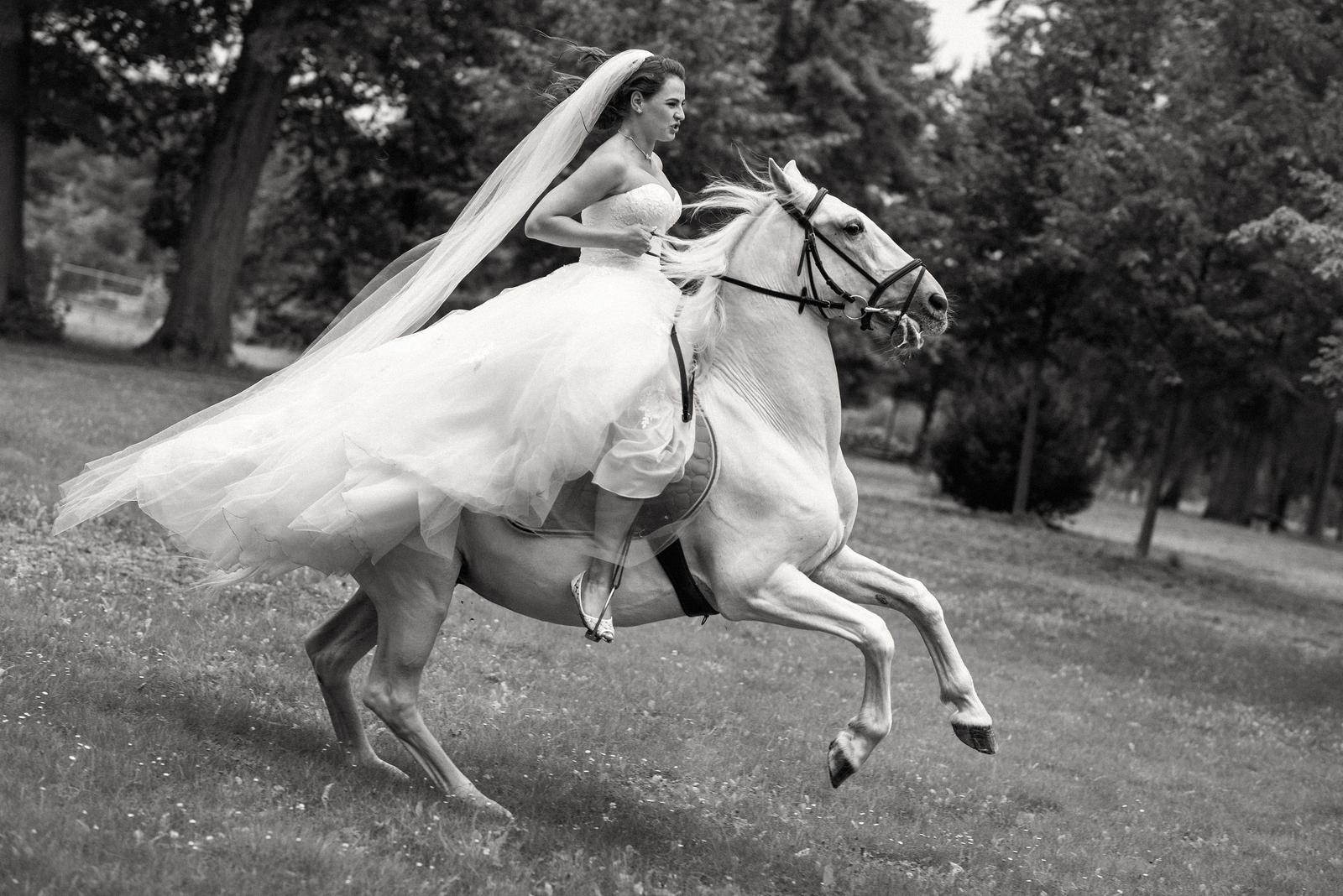 Adéla{{_AND_}}Antonín - Chtěl ze mě udělat nevěstu na útěku...nedala jsem se :D