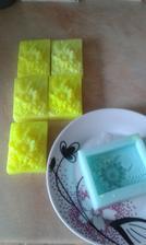 vyrábím mýdla jako dárek pro hosty :)