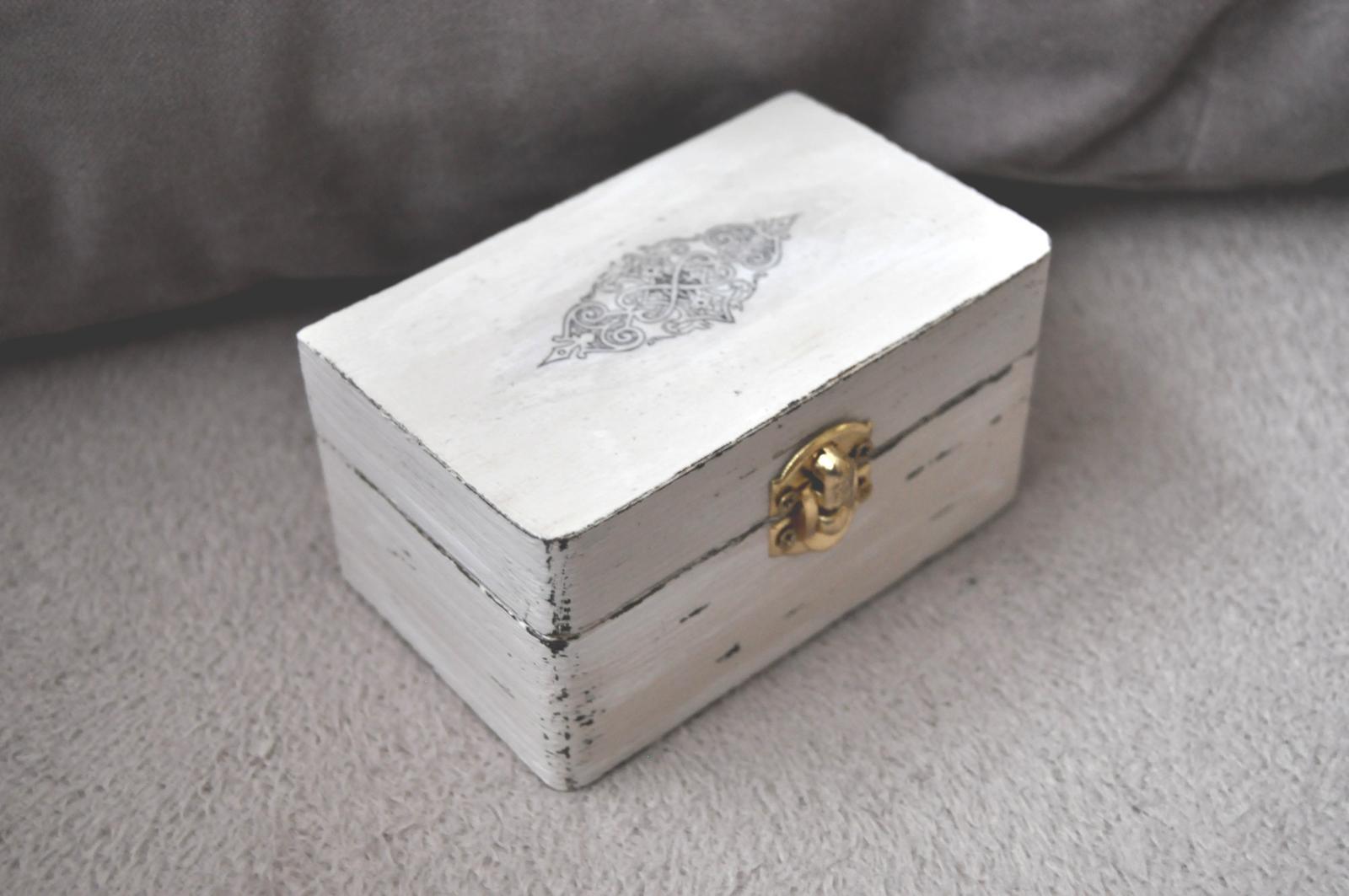 Drevená krabička v štýle vintage - Obrázok č. 1