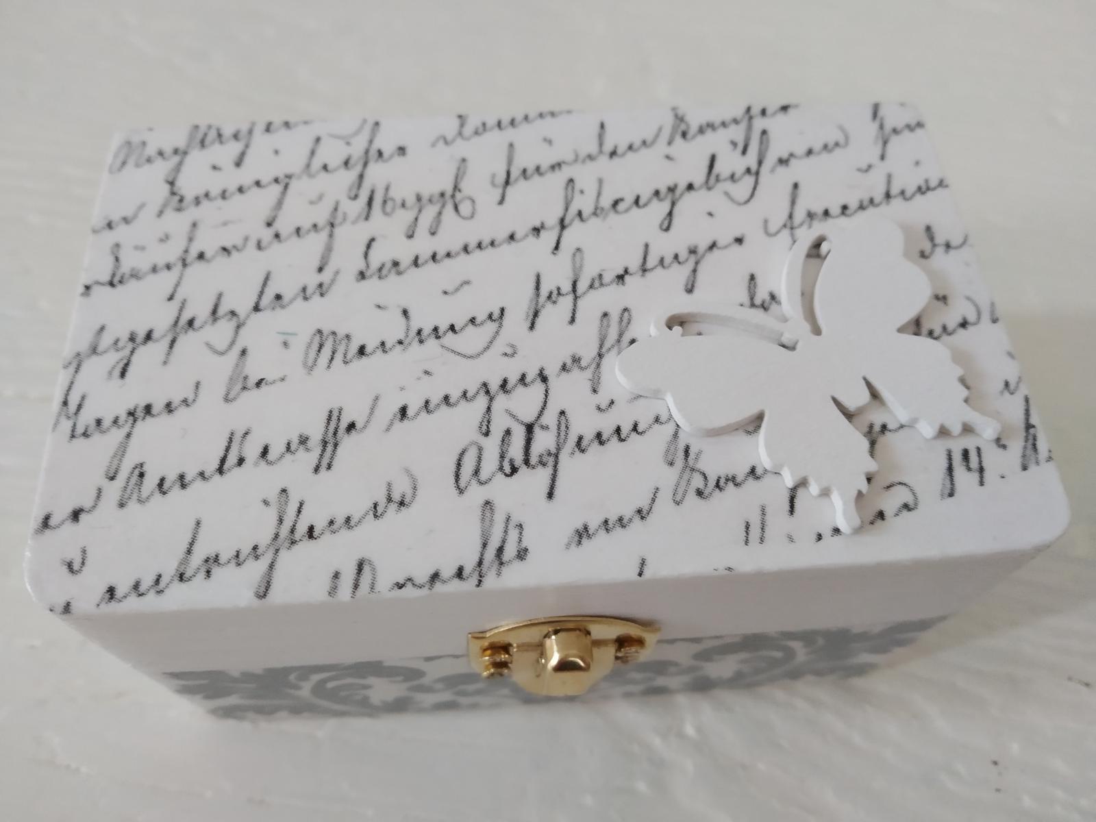 """Drevená krabičk """"Motýlí sen"""" na prstienky, obrúčky - Obrázok č. 2"""