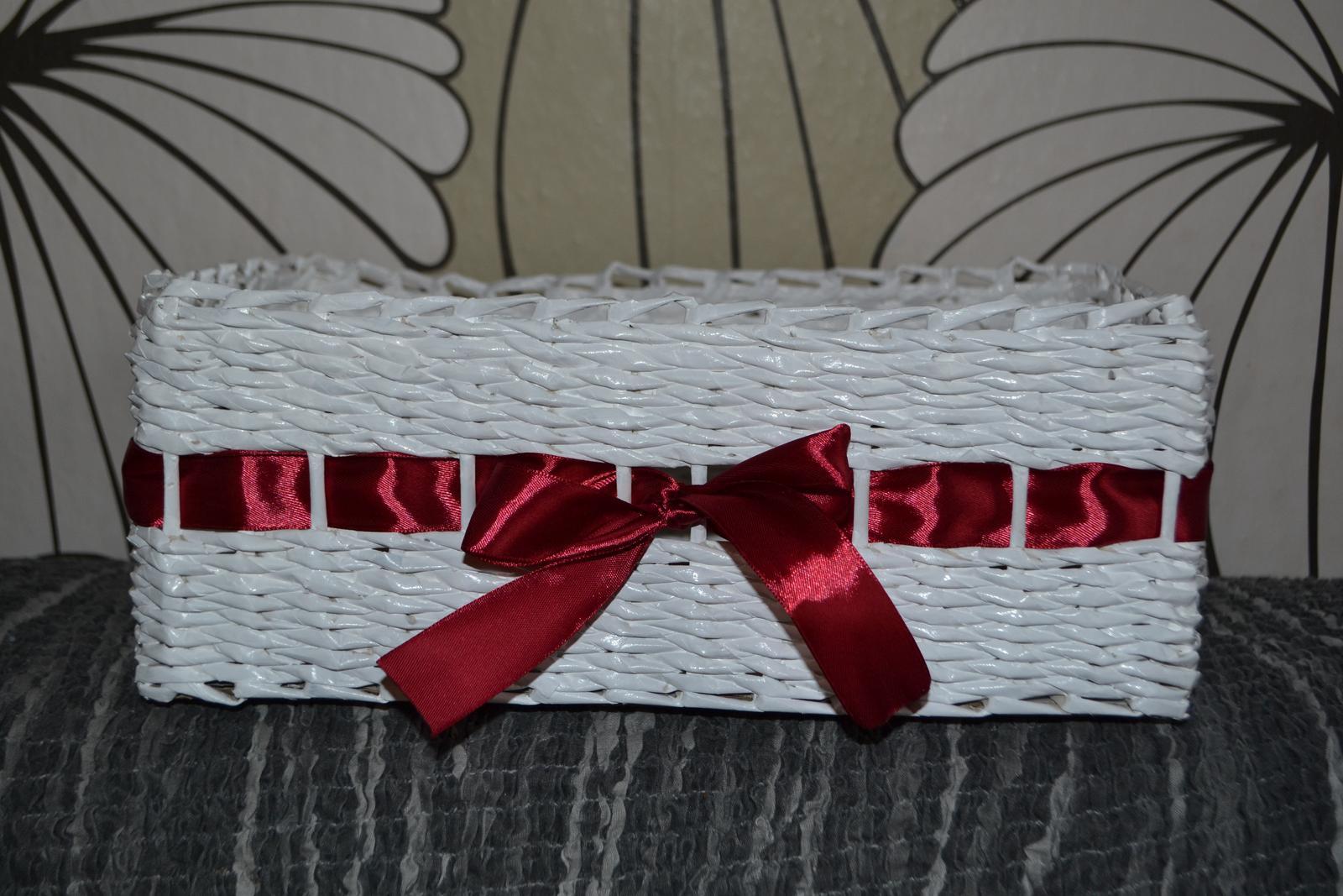 Košík na vývazky se stuhou z papírového pedigu - Obrázek č. 1
