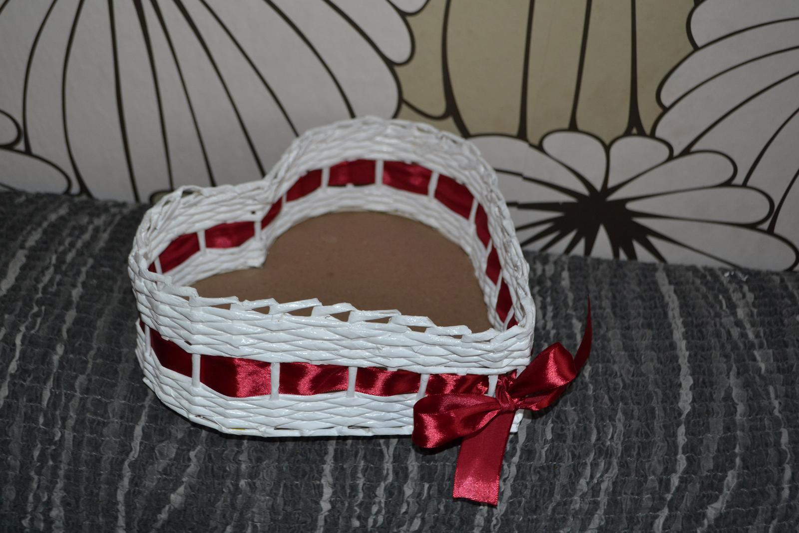 Košík ve tvaru srdce - Obrázek č. 1