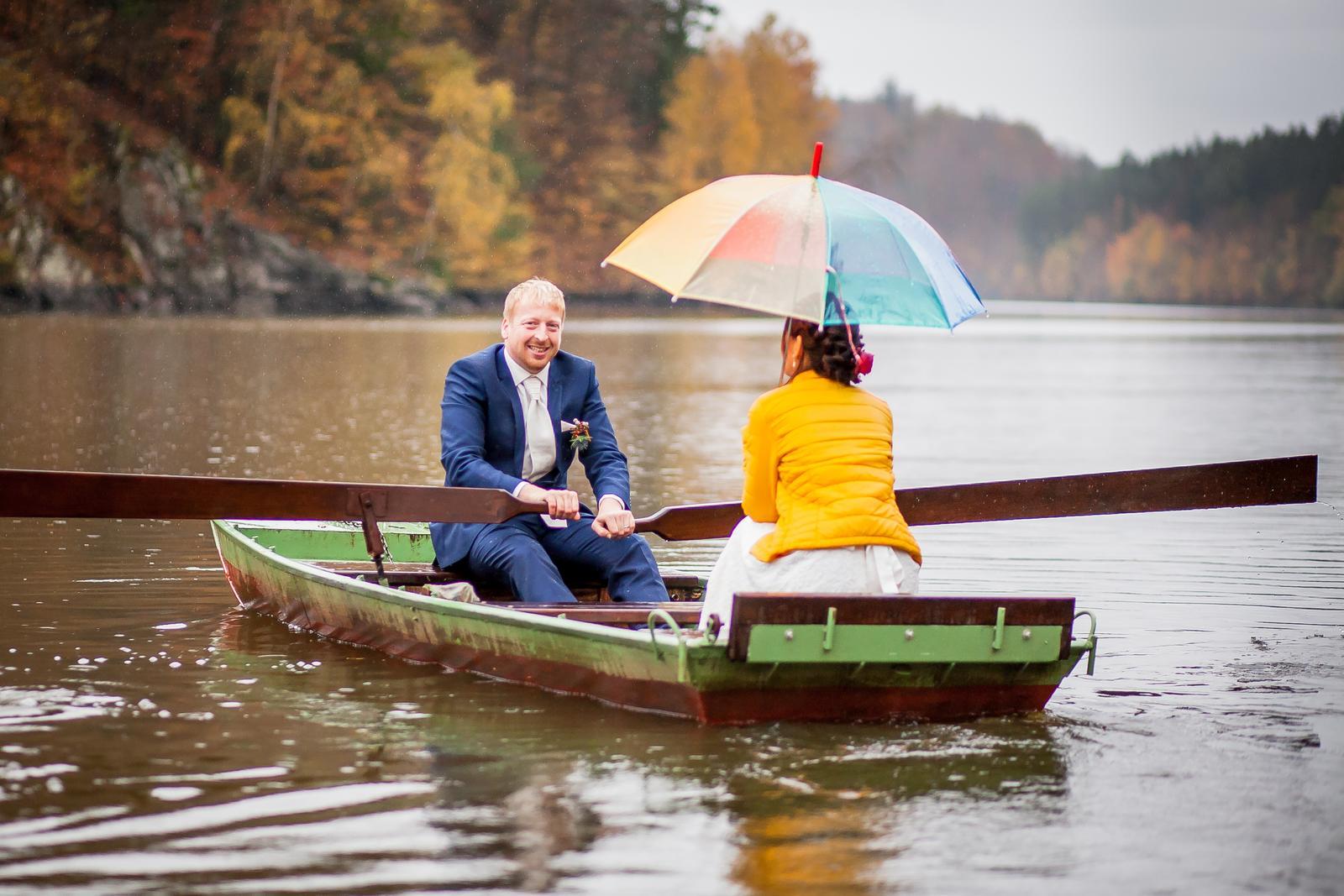 Andrea{{_AND_}}Vlastimil - Na lodičku už se mi nechtělo, byla jsem ke konci focení zmrzlá, měla promočené boty. Jsem ráda, že mě přemluvil