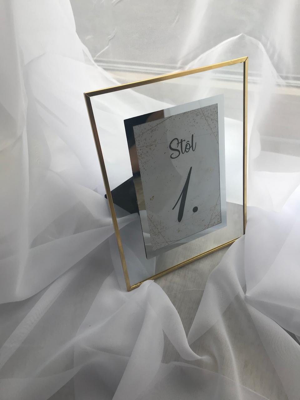 Fotoramcek so zlatym okrajom - Obrázok č. 1