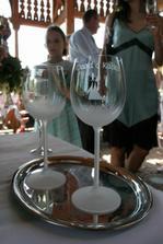 Skleničky na přípitek - abysme si datum svatby vždy pamatovali :-)