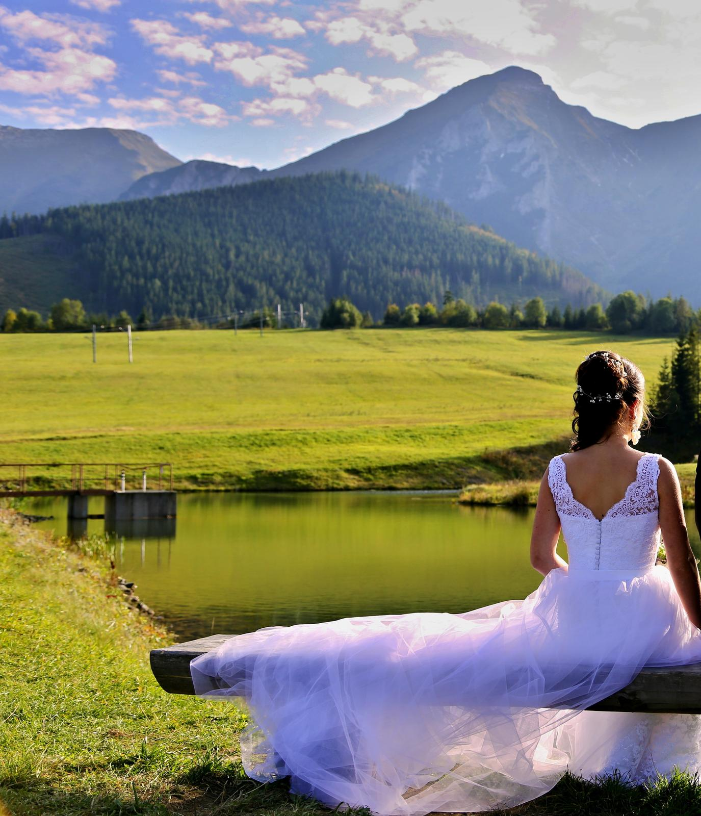 Celokrajkové svadobné šaty s odnímateľnou vlečkou  - Obrázok č. 4
