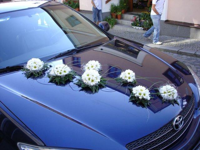 Vyzdoby svadobných  áut - Obrázok č. 34