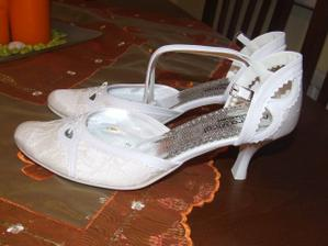 Topanocky na svadbu, len ich este kupit...