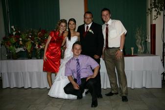 s bratrancami a sesternicou