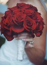 Podobnou kyti z rudých růží mám v plánu.