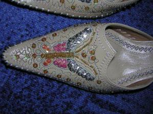 ...svatební botky.