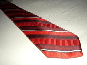tuto kravatu bude mat zenich po polnoci