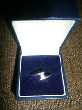Snubny prsten z bieleho zlata