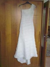 šaty už jsou doma