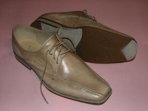 ...ženíchove topánočky...