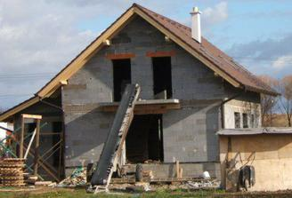 november 2007 - aj strecha je už hotová