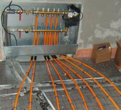 marec 2008 - podlahové kúrenie na prízemí
