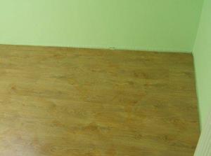 august 2008 - kladie sa plávajúca podlaha