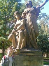 Ivko pri Myslbekových sochách