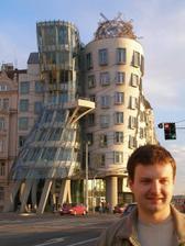 aj takúto divotvornú budovu tam majú:-)