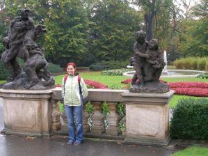 ...v záhrade pri hrade...