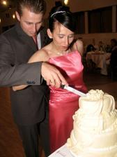 Krájanie torty (nestihli sme to skôr)