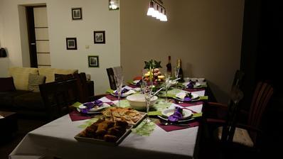 Už je všetko na stole, sladká šošovica, klasik šošovica, kapor, losos, pangas, náš šalátik, svokrin šalátik už si len posadať a začať