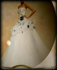 moje svadobne, len bez toho modreho