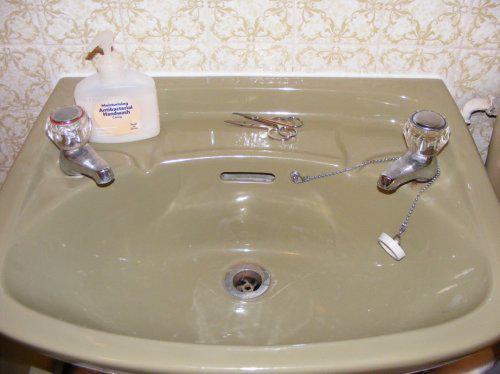 Naše anglické hniezdočko - ...tak i v kúpeľni...