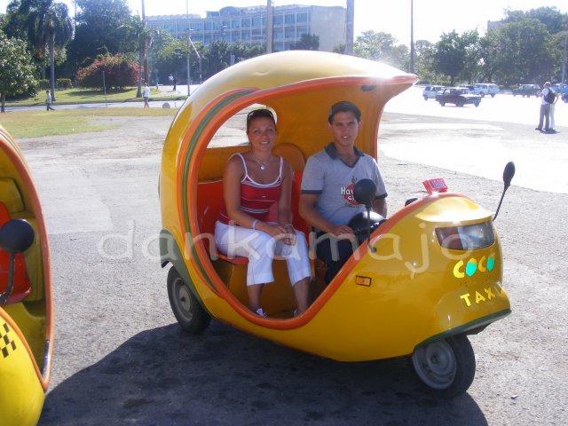 Ako sme to všetko dokázali stihnúť za tri mesiace... - Jeden z mnoho druhov taxíkov v Havane
