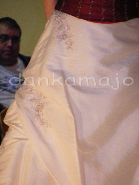 Weddings show Bristol - Zaujímavý detail na sukni