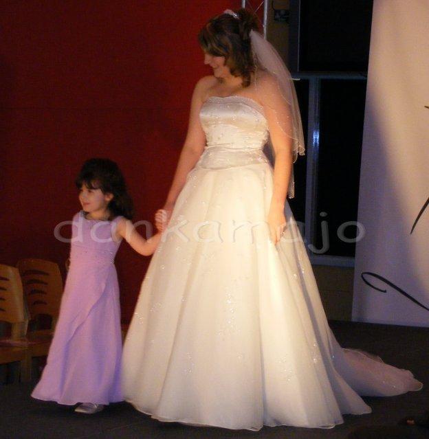 Weddings show Bristol - Aj družičky musia byť krásne
