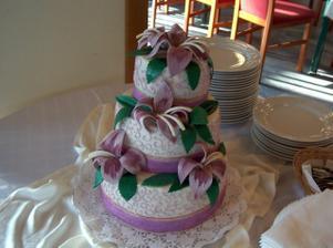 naša krásna svadobná tortička - bola skvelá!