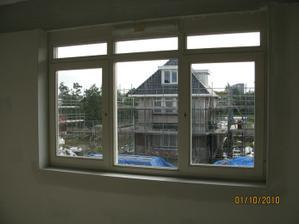 Okno v pracovne