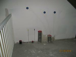 Privody v podkrovi pro dalsi koupelnu