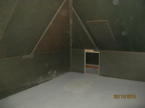 Podkrovi, pokoj pro hosty a koupelna