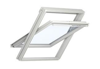 Objednany 2 Velux stresni okna 114 x 118 cm - 28.04. budeme montaz
