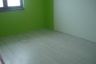 takze podlaha ulozena