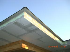 zatepleny podhlad pod strechou