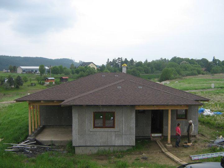 Nas domcek - tak a strecha prikryta