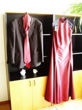 ...tieto šaty som mala oblečené raz na koncerte, ale použijem ich aj ako popolnocne saty...