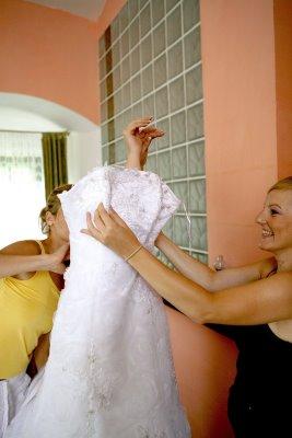 Details of our wedding - obliekanie
